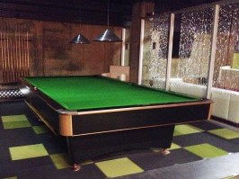 canada-billard-black-crown_used-snooker-pool-table-for-sale-a-vendre-antique_1x_1